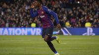 2. Ousmane Dembele – Memang di awal musim Dembele tampil tak sesuai ekspekstasi. Terlebih sikap indisipliner membuatnya sempat dikecam oleh pendukung Barca. (AFP/Josep Lago)