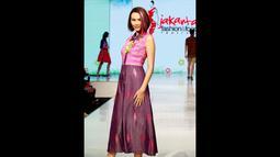 """Tema yang diusung Lenny Agustin dalam karyanya di Jakarta Fashion & Food adalah """"Easy Like Sunday Morning"""", Rabu (21/05/2014) (Liputan6.com/Faisal R Syam)"""