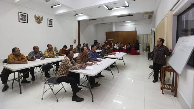 Kedutaan Besar Republik Indonesia di Dhaka sedang mengadakan kelas bahasa di KBRI, Dhaka, Bangladesh, Rabu 21 November 2018. (Liputan6.com/Afra Augesti)