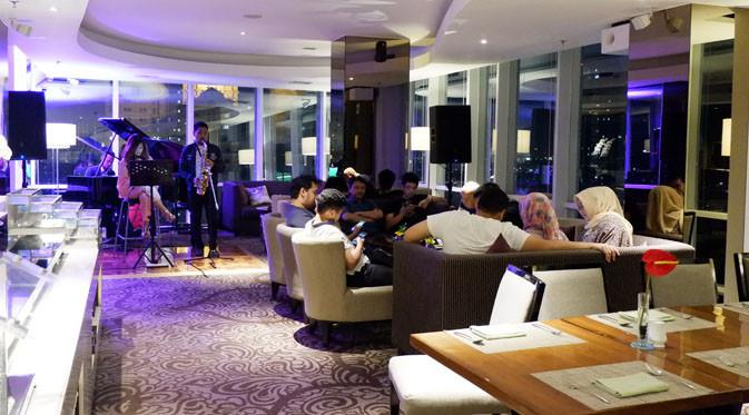 Suasana 22 Sky Lounge Hotel Santika Premiere Hayam Wuruk.