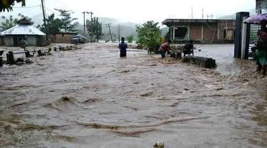 Banjir merendam sejumlah wilayah di Kabupaten Bima dan Dompu, NTB. (Foto: Istimewa)