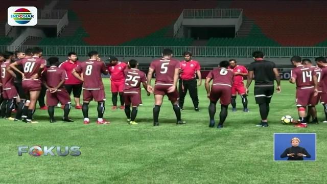 Persipura Jayapura bertemu Persija Jakarta di laga lanjutan pekan ke-10 kompetisi Liga 1 di Stadion Pakansari, Bogor, Jawa Barat.