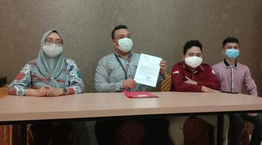 OBH Yadikdam Gelar Konfersi Pers terkait perkembangan kasus oknum dosen Gorontalo (Arfandi Ibrahim/Liputan6.com)