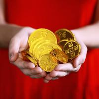 Ilustrasi menabung emas (Photo by Sharon McCutcheon on Unsplash)