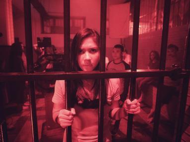 Aktris Jessica Mila saat proses syuting film horor terbarunya yang berjudul Mata Batin 2 di kawasan Jakarta Barat, Rabu (5/9). Mata Batin 2 menjadi film horor kedua Jessica Mila selama berkarir di dunia perfilman Indonesia. (Liputan6.com/Faizal Fanani)