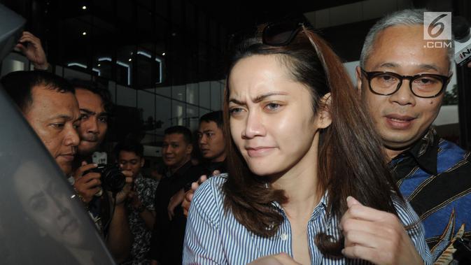 Kpk Cecar Saksi Siesa Darubinta Soal Keberadaannya Di Apartemen Bowo Sidik News Liputan Com