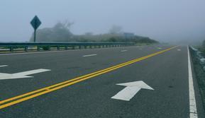 Ilustrasi jalan raya. (dok. pexels.com/@itatitapia)