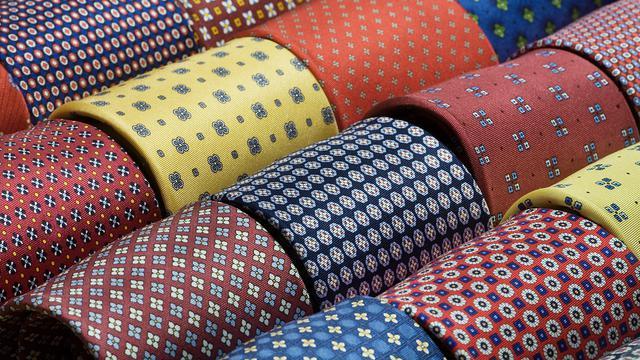 Tips Memadukan Dasi dan Kemeja Bermotif - Fashion & Beauty Liputan6.com