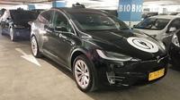 Mobil listrik Tesla menjadi armada baru BlueBird di Indonesia. (Septian/Liputan6.com)