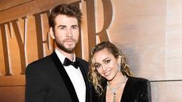 Miley dan Liam diketahui sering berkencan. Meski sempat putus, namun pasangan ini akhirnya kembali menjalin hubungan dan akhirnya menikah. (Liputan6.com/Instagram/@mileycyrus)