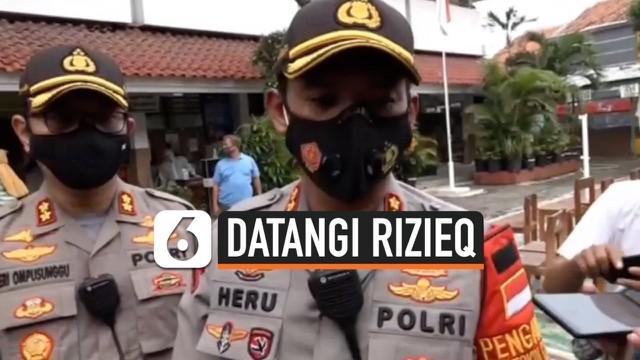 Kediaman Rizieq Shihab sempat disambangi aparat kepolisian dan TNI di malam hari. Apa maksud kedatangan mereka?