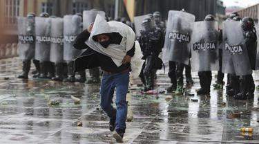 Protes Menentang Reformasi Pajak di Ibu Kota Kolombia