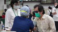 vaksinasi lansia disabilitas di Sentra Vaksinasi Serviam. dok: Sentra Vaksinasi Serviam