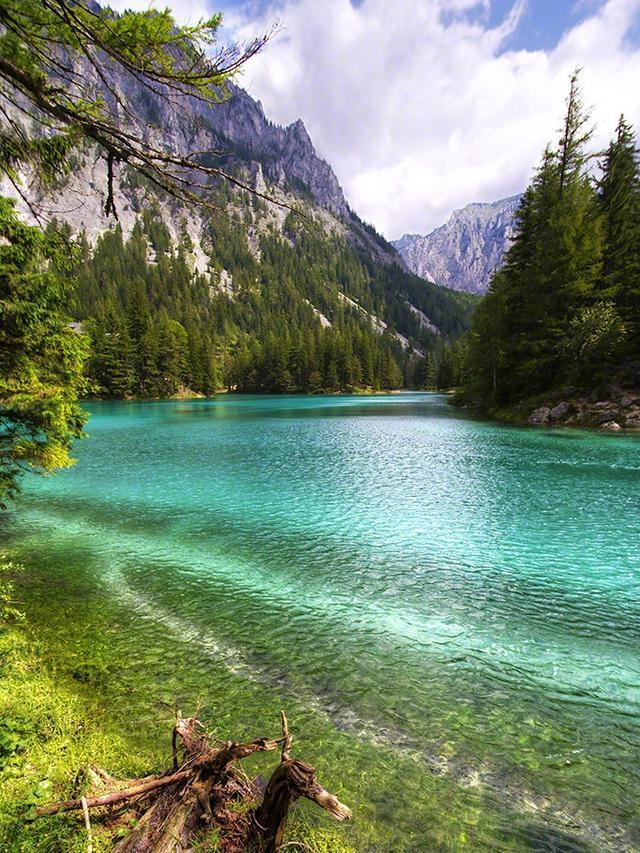 Keindahan Bawah Air Green Lake (sumber: earthlymission)