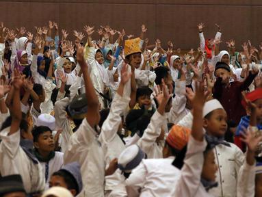 Suasana saat 1.200 anak yatim mengikuti buka bersama yang digelar PT Agung Podomoro Land Tbk di Pullman Central Park Jakarta, Selasa (22/5). (Liputan6.com/Arya Manggala)