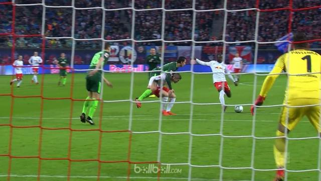 Berita video highlights Bundesliga 2017-2018 antara RB Leipzig melawan Werder Bremen dengan skor 2-0. This video presented by BallBall.