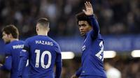Willian merayakan golnya ke gawang Crystal Palace pada lanjutan Premier League di Stamford Bridge stadium, London, (10/3/2018). Chelsea menang 2-1.(AP/Matt Dunham)