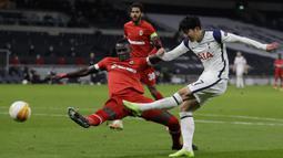 Son kini merupakan pemain andalan The Lilywhites. Hingga pekan ketiga, dirinya telah menyumbangkan dua gol dan membuat Tottenham menempati puncak klasemen Liga Ingrris musim 2021/2022. (Foto: AFP/Pool/Kirsty Wigglesworth)