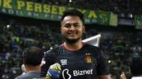 Dimas Galih, kiper Persik di Liga 1 2020. ( Bola.com/Aditya Wany)