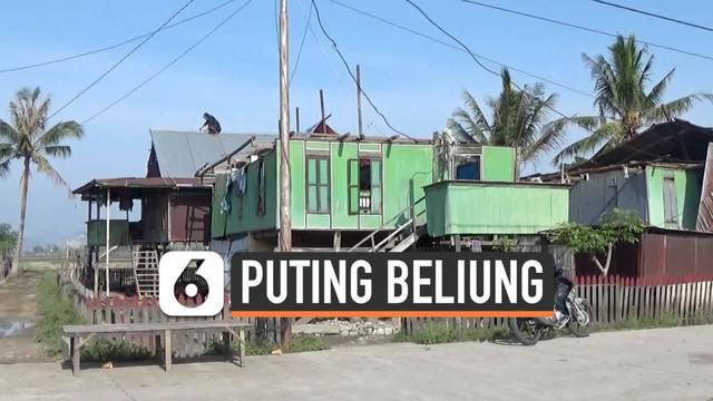 Rekaman angin puting beliung menerjang wilayah Kabupaten Sidrap, Sulawesi Selatan menyebar di masyarakat. Puluhan rumah hancur dilanda angin puting beliung.