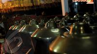 Seperangkat alat musik gamelan sengaja dipersiapkan sebagai pelengkap dari pertunjukan wayang kulit Senin (31/03/2014)(Liputan6.com/Faisal R Syam).
