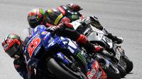 Maverick Vinales kerja keras untuk finis di posisi empat pada MotoGP Malaysia (Mohd RASFAN / AFP)