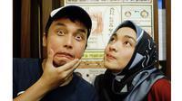 Dikabarkan Hamil, Ini 5 Potret Kemesraan Tika Bravani dan Dimas Aditya (sumber: Instagram.com/tikabravani)