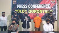 Kabid Humas Polda Gorontalo Kombes Pol Wahyu Tri Cahyono saat melakukan Pres Conference (Arfandi Ibrahim/Liputan6.com)
