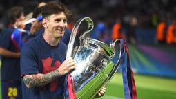 1. Lionel Messi - Lionel Messi menjadi salah satu pemain yang merasakan treble winners bersama Barcelona. Messi meraih treble winner saat membawa Barcelona meraih juara Liga Champions, Spanish Champion, Spanish Cup pada 2009 dan 2015. (AFP/Patrik Stollarz)