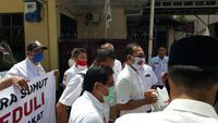 Ketua Satgas COVID-19 DPD Gerindra Sumut, Kamsir Aritonang menerangkan, bantuan terhadap tuna netra yang telah diberikan sebelumnya berupa uang tunai Rp 1 juta. Disalurkan kepada 40 kepala keluarga.