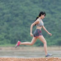 Olahraga bikin bahagia.  (Foto: Sasin Tipchai/ Pixabay)