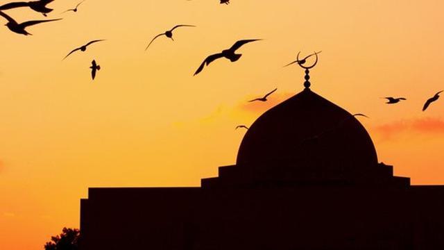 95 Foto Gambar Masjid Dan Bulan Terlihat Cantik