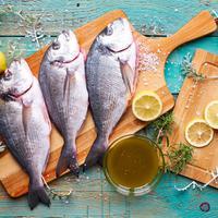Menghilangkan bau amis ikan./Copyright shutterstock.com/g/SlawaVorster