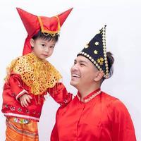 Glenn Alinskie bersama anaknya (Instagram/glennalinskie)