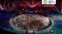 Closing Ceremony Asian Games 2018, para relawan berbaur dengan atlet di panggung GBK (Liputan6)