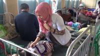 Jumlah penderita demam berdarah dengue (DBD) di Nusa Tenggara Timur (NTT) terus bertambah ratusan orang dalam tiga hari terakhir ini.
