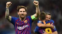 4. Lionel Messi – Messi sempat merasa minder karena memiliki postur tubuh yang kecil. Hal tersebut membuatnya mampu melewat peain lawan namun selalu gagal mencetak gol. (AFP/Glyn Kirk)