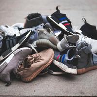 sneakers/unsplash