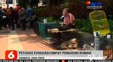 Peristiwa kebakaran terjadi di rumah 2 lantai di Kawasan Jalan Panglima Sudirman, Surabaya, pada Senin (15/2) pagi. Terdapat empat orang penghuni rumah, yang sempat terjebak di dalam rumah berhasil diselamatkan oleh petugas Pemadam Kebakaran.