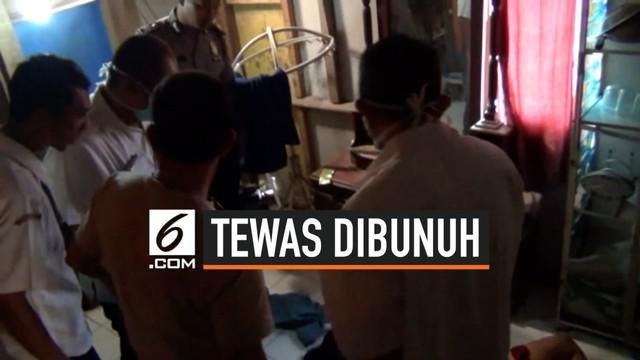 Seorang janda yang diketahui bernama Dede Tresnawati (36), warga Batu Hiu Dusun Golempang, Desa Ciliang, Kecamatan Parigi, Kabupaten Pangandaran, Jawa Barat, ditemukan tewas di rumahnya, Rabu (18/09/2019), sekitar pukul 04.00 WIB.
