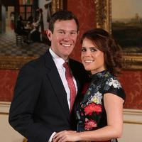 Putri Eugenie bersama calon suaminya, Jack Brooksbank (AFP/Jonathan Brady)