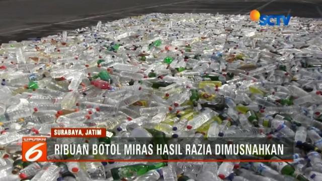 Polrestabes Surabaya memusnahkan 20 ribu botol minuman keras ilegal dan oplosan, hasil Operasi Tumpas Semeru 2018 selama 10 hari terakhir.