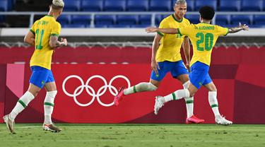 Richarlison Hat-trick, Brasil Lumat Jerman