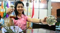 Dalam penelitian yang dilakukan selama setahun, mahasiswi Surabaya menemukan senyawa potensial untuk menjadi antibiotik. (Liputan6.com/Dhimas Prasaja)