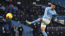 2. Ferran Torres (Manchester City) - Gelandang berusia 20 tahun ini terus menunjukan permainan apiknya bersama Manchester City musim ini. Ferran Torres telah menyumbangkan tiga gol dari empat penampilannya bersama Manchester City di fase grup Liga Champions musim ini. (AFP/Martin Rickett/pool)
