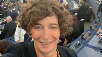 Wakil Perdana Menteri Belgia Petra De Sutter yang merupakan seorang transgender yang juga ginekolog dan mantan profesor kedokteran reproduksi. (dok. Instagram @pdsutter/https://www.instagram.com/p/BzbJq_epERp/)
