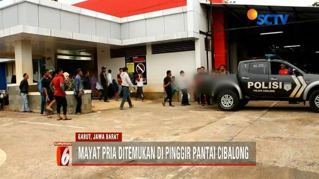 Warga Garut, Jawa Barat, temukan jasad pria tanpa identitas di pinggir Pantai Cibalong.