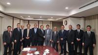 Menteri ESDM Ignasius Jonan bertemu dengan CEO Inpex Corporation Takayuki Ueda di Tokyo. Dok: Kementerian ESDM