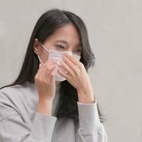 Nyaman menggunakan masker tanpa bau mulut./Copyright shutterstock.com/g/leungchopan
