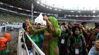 Ketua Umum PP Muslimat NU Khofifah Indar Parawansa, sempat menyapa puluhan ribu Muslimat. (Liputan6.com/Putu Merta Surya Putra)